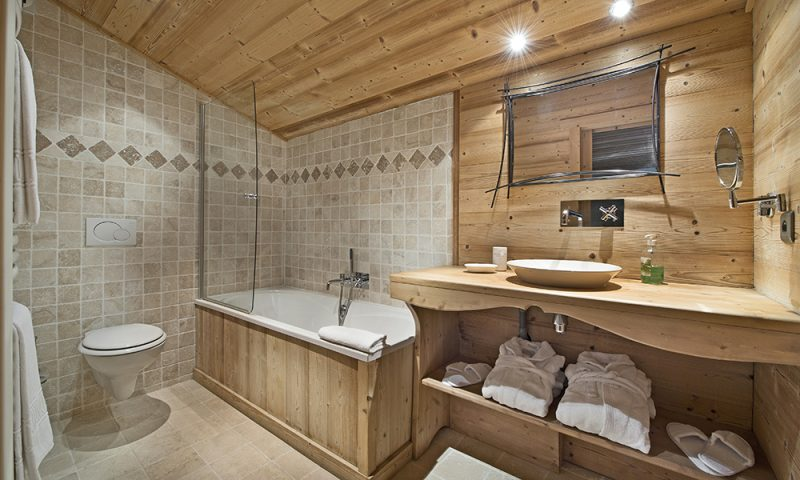 large chalet bathroom