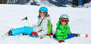 children skiing la plagne