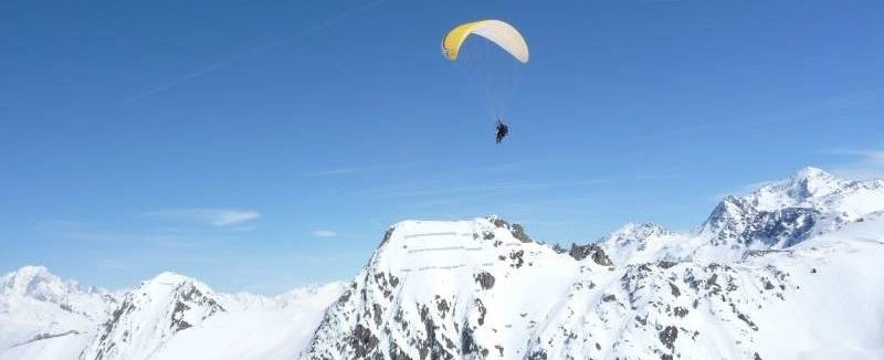 Paragliding Paradiski